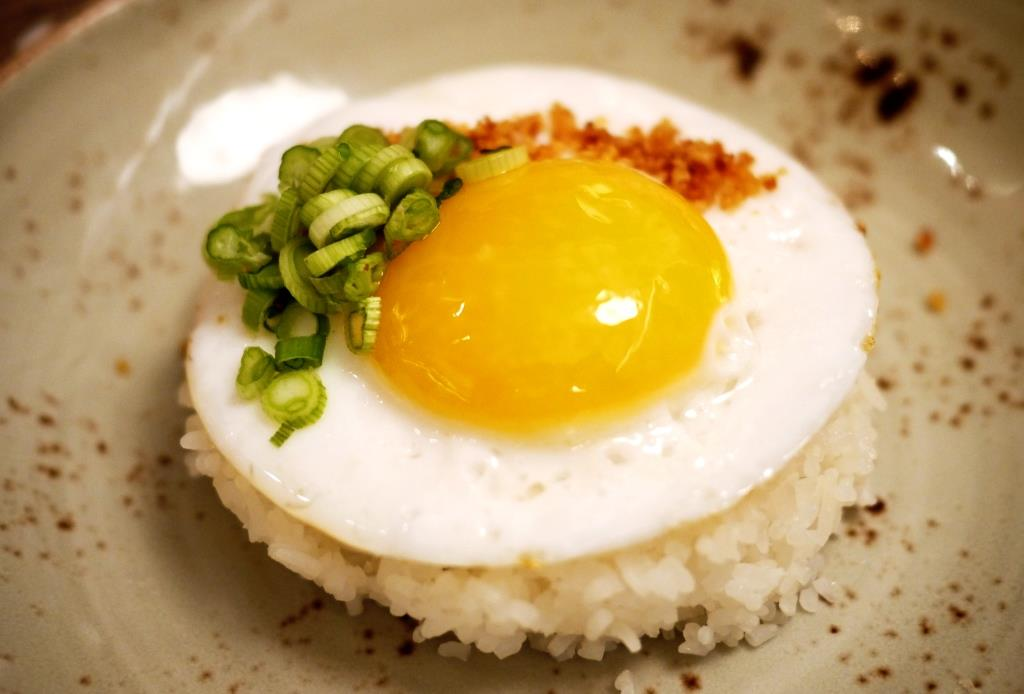 Doi Moi fried duck egg
